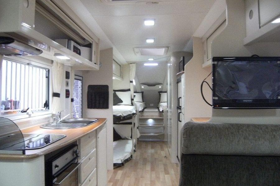 29ft Fifth Wheel Caravan